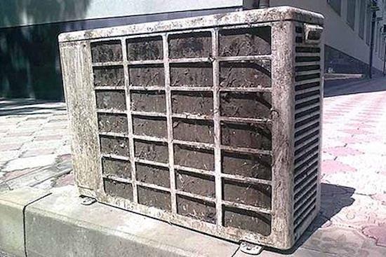 летом важно почистить наружный блок кондиционера